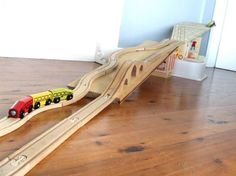 Creating a ramp for the trains Thomas The Train Tracks, Train Miniature, Block Area, Popular Hobbies, Train Table, Model Train Layouts, Classic Toys, Wood Toys, Summer Kids
