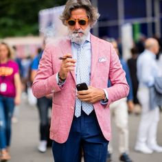 #streetstyle at #pittiuomo94 | www.thestyleograph.com Photographed by #thestyleograph #christianvierig #streetfashion #mensfashion…
