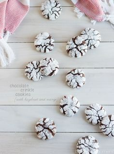 Classic Chocolate Crinkle Cookies with a Hazelnut and Orange Twist! These are so soft and chewy and full of wintry flavor. Chocolate Crinkle Cookies, Chocolate Crinkles, Chocolate Hazelnut, Cupcakes, Cupcake Cookies, Tasty Cookies, Yummy Recipes, Best Cookie Recipes, Orange Twist