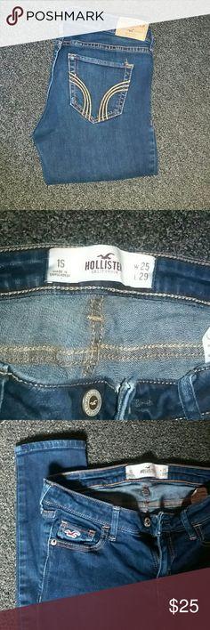 Dark wash Hollister skinny jeans 1s skinny jeans. Like new. Hollister Jeans Skinny