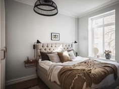 Keltainen talo rannalla Luxury Homes Interior, Interior Design, Scandinavian Apartment, Home Decor Kitchen, Cheap Home Decor, Home Remodeling, Furniture Design, Wall Decor, Contemporary