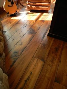 Carriage House Pine with Quirk Gap [Balsam Wide Plank]