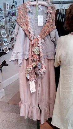 Magnolia Pearl in pink : just my color ! love the scarf