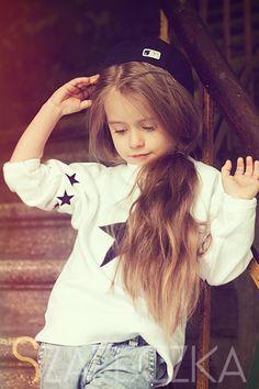 Designer Clothes, Shoes & Bags for Women Cute Little Girls, Cute Baby Girl, Cute Kids, Cute Babies, Baby Kids, Kids Fashion Show, Little Girl Fashion, High Fashion, Latest Fashion Dresses