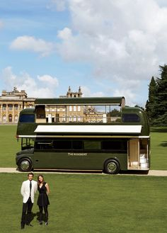 Yes, please. The Double-Decker Pleasure of the Rosebury, Britain's Posh Bus-Restaurant | Vanity Fair