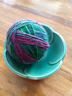 A bit of my handspun yarn, dreaming of what it wants to be in the future...
