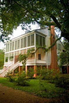 Oakley Plantation Saint Francisville West Feliciana Parish Louisiana Built c is the House where John James Audubon Painted Many of his Ornithological PAINTINGS. Southern Plantation Homes, Southern Mansions, Southern Homes, Plantation Houses, Southern Farmhouse, Southern Living, Louisiana Plantations, Louisiana Homes, New Orleans Louisiana