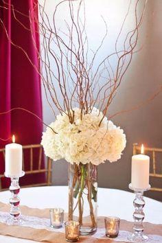 centros de mesa con hortensias blancas
