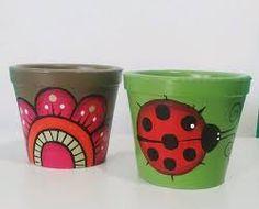 pintura de macetas en tonos azules - Buscar con Google Flower Pot Art, Flower Pot Design, Mosaic Flower Pots, Flower Pot Crafts, Clay Pot Crafts, Painted Clay Pots, Painted Flower Pots, Hand Painted, Ceramic Pots