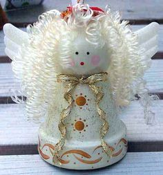 Christmas clay flower pot crafts - MMR Home Christmas Clay, Christmas Ornament Crafts, Christmas Angels, Christmas Projects, Holiday Crafts, Christmas Decorations, Spanish Christmas, Christmas Poinsettia, Angel Ornaments