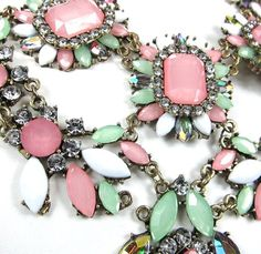 FASHION GORGEOUS TRENDY FUN SPRING FLORAL CRYSTAL ACRYLIC FLOWER STATEMENT NECKLACE by shopluvmeTake for me to see FASHIO