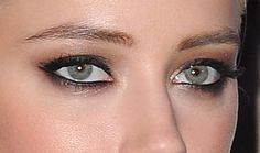 Amber heard eye shadow close up - Behold: The Prettiest, Sexiest Eye Makeup Look In History Sexy Eye Makeup, Wedding Eye Makeup, Makeup For Green Eyes, Kiss Makeup, Makeup Geek, Beauty Makeup, Hair Makeup, Hair Beauty, Amber Heard Makeup