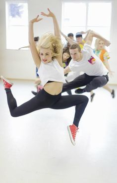 Jazz dance is fun and suitable for all ages. Though a foundation in ballet is important, jazz encourages the dancer to embrace personal expression. Line Dance, Plyometric Workout, Plyometrics, Pineapple Dance Studios, Dance Leaps, Dance Baile, Dance Equipment, Dance Stretches, Dance Technique