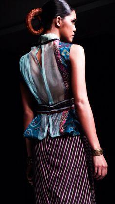 JFFF AWARDS feat Deden Siswanto @DenSiswanto 'Culturecstatic'  @JFFF_Info from my  #PathFashionReport #tenun #ikat #bali #fashion #indonesia #jfff #jf3 #dedensiswanto #appmi Bali Fashion, Ikat, Style Me, Awards