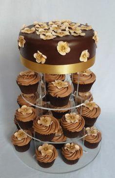 chocolate and peach flower cake and cupcakes [Résolution de l'écran]