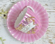 1925 Doric Tea Cup and Saucer Trio England Butterfly & Fruits Pink Teacup Cup And Saucer Set, Tea Cup Saucer, Pink Blossom, China Tea Cups, Painted Leaves, Cute Mugs, China Patterns, Chocolate, Pink Roses