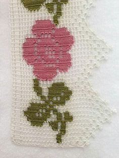 This Pin was discovered by ayş Crochet Boarders, Crochet Lace Edging, Thread Crochet, Love Crochet, Crochet Doilies, Single Crochet, Crochet Flowers, Crochet Stitches, Crochet Designs