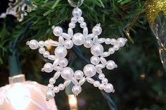 How to Make a Christmas Wreath Ornament from Beads | eHow