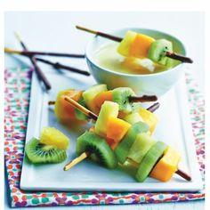 Brochettes aux fruits et fondue de chocolat avec Mikado® Daim