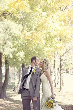 renaissance studios photography bride and groom trees