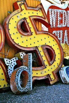 Type Inspiration from the Neon Museum / Boneyard in Las Vegas Old Neon Signs, Vintage Neon Signs, Old Signs, Las Vegas, Vegas Sign, Neon Museum, The Blues Brothers, Robert Doisneau, All I Ever Wanted