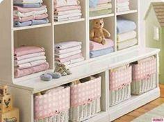 rangement pratique pour la chambre bébé