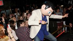Michael Fassbender Wows Party Singing, Dancing as 'Frank' Michael Fassbender, Frank Movie, Magnolia Pictures, Maggie Gyllenhaal, Best Actor, Gotham, Videos, Brave