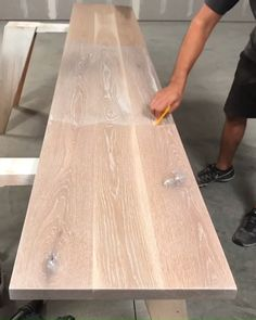 """Rubio Monocoat Oil Plus """"White"""" being applied to a white oak top. Our hardwax oil colors and protects any wood species in one coat! decor videos Applying Natural Wood Finish to White Oak Oak Stain, How To Stain Wood, Natural Wood Finish, Wood Oil Finish, Oak Hardwood Flooring, White Oak Floors, Rubio Monocoat, Painted Furniture, Natural Wood Furniture"""