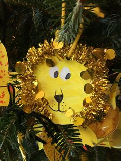 Lion ornament, Zoological Society of Milwaukee Fantastic Forest 2015