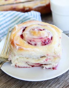 OMG-Raspberry Sweet Rolls Recipe, Christmas morning, Easter, Mother's Day, and can't forget Father's Day, any day or special occasion. Better than a cinnamon roll. Amazing, a different taste then the normal 'breakfast roll'. Brunch, tea, party, gatherings, bread, dough