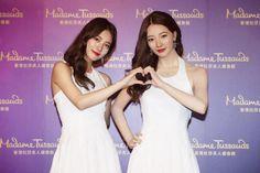 Miss A's Suzy Poses Alongside Her 'Madame Tussads' Wax Figure   Koogle TV