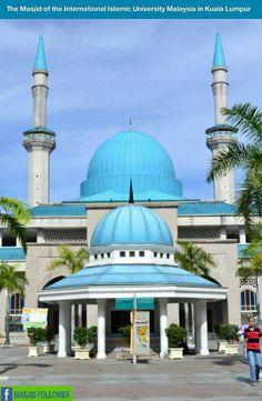 Masjid in Malaysia Islamic Architecture, Art And Architecture, Beautiful Mosques, Beautiful Girl Image, Mecca, Taj Mahal, Around The Worlds, Modern, Bollywood Stars