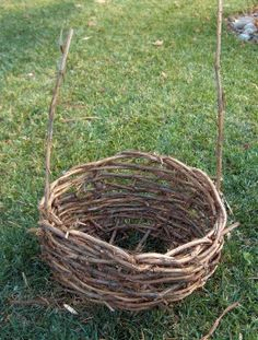 How to Make a Grapevine Basket - great for the flower girl! Can adjust to any size :)