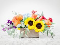 37 Easy Fall Flower Arrangement Ideas | Interior Design Styles and Color Schemes for Home Decorating | HGTV >> http://www.hgtv.com/design/decorating/design-101/easy-fall-flower-arrangements-pictures?soc=pinterest