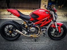 BMW Society / <b> Ducati Monster 796 with TRR's Full Titanium Exhaust </ b>.