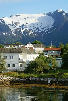 Balestrand, Norway | Perfect place for me to just write, sit on the green grass and listen to what the water has to say. *sighs* Take me here.
