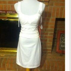 ❌ FINAL PRICE ❌ BRAND NEW B DARLIN WHITE DRESS Beautiful dress by B Darlin!!! Gorgeous satiny white....size 7/8 but runs small....very pretty! See pics for details B Darlin Dresses Prom