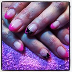 Round gels with pink tips & black bows