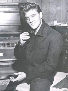 Elvis Presley, press conference, Graceland, 1960
