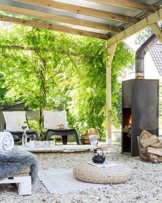 29 Marvelous Winter Garden Design For Small Backyard Landscaping Ideas - josh-hutcherson Outdoor Areas, Outdoor Rooms, Outdoor Living, Outdoor Decor, Design Jardin, Garden Design, Dream Garden, Home And Garden, Herb Garden
