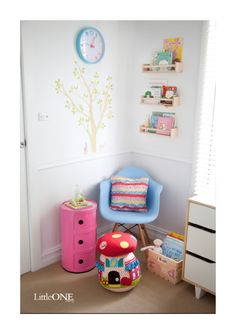 Beautiful pastel colours in a little girls room