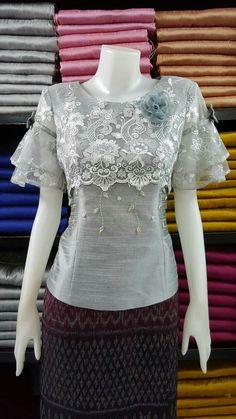 Lace Top Outfits, Filipiniana Dress, Dress Brokat, Sunday Dress, Fancy Tops, Blouse Models, Batik Dress, Western Dresses, African Attire