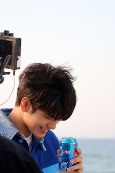 Ong Seongwu 'Heart Sign' behind the scenes Hd Love, This Is Love, 3 In One, Ong Seung Woo, Activities For Boys, Big Crush, Boys Over Flowers, Heart Sign, Seong