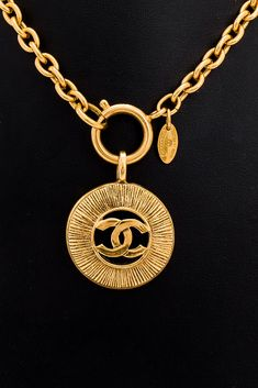 Vintage Pre-owned Chanel Necklace
