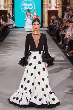 Mercedes Dobenal - We Love Flamenco 2018 Stylish Dresses, Sexy Dresses, Beautiful Dresses, Nice Dresses, Casual Dresses, Fashion Dresses, Flamenco Costume, Flamenco Skirt, Modelista