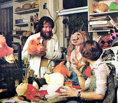 Vintage photos from Jim Henson's Muppet Workshop, birthplace of most of the Muppets. Jim Henson Puppets, Die Muppets, Custom Puppets, Sesame Street Muppets, Fraggle Rock, The Muppet Show, Have Courage And Be Kind, Ensemble Cast, Kermit The Frog