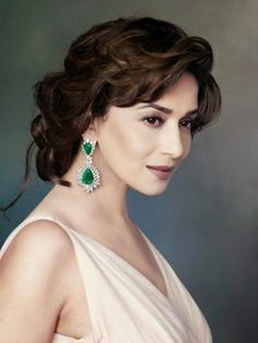 [Madhuri Dixit, also known as Madhuri Dixit-Nene, is an Indian film actress who is known for her work in Hindi cinema. She is often cited as one of the best actresses of Bollywood, renowned as the original dancing diva. Madhuri Dixit, Bollywood Jewelry, Bollywood Fashion, Bollywood Celebrities, Bollywood Actress, Bollywood Saree, Anushka Sharma, Priyanka Chopra, Romantic Curls
