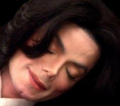 Wouldn't mind waking up to this face beside me ;) You give me butterflies inside Michael... ღ by ⊰@carlamartinsmj⊱