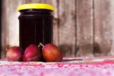 Marmelade einkochen einfach gemacht - meinefamilie.at ✰ Plum, Fruit, Food, Couple Things, Simple, Meal, Essen, Meals, Yemek