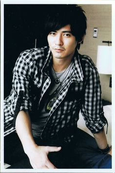 Vic Zhou look like Jang Dong Gun Drop Dead Gorgeous, Gorgeous Men, Vic Chou, Taiwan, Mars, Affair, Punk, Celebs, China
